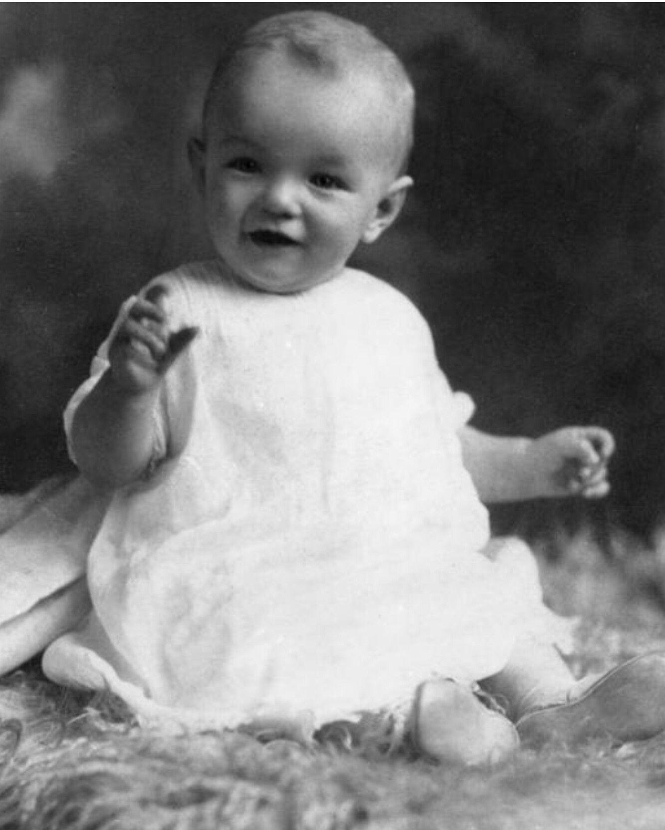 7 Marilyn Monroe bébé