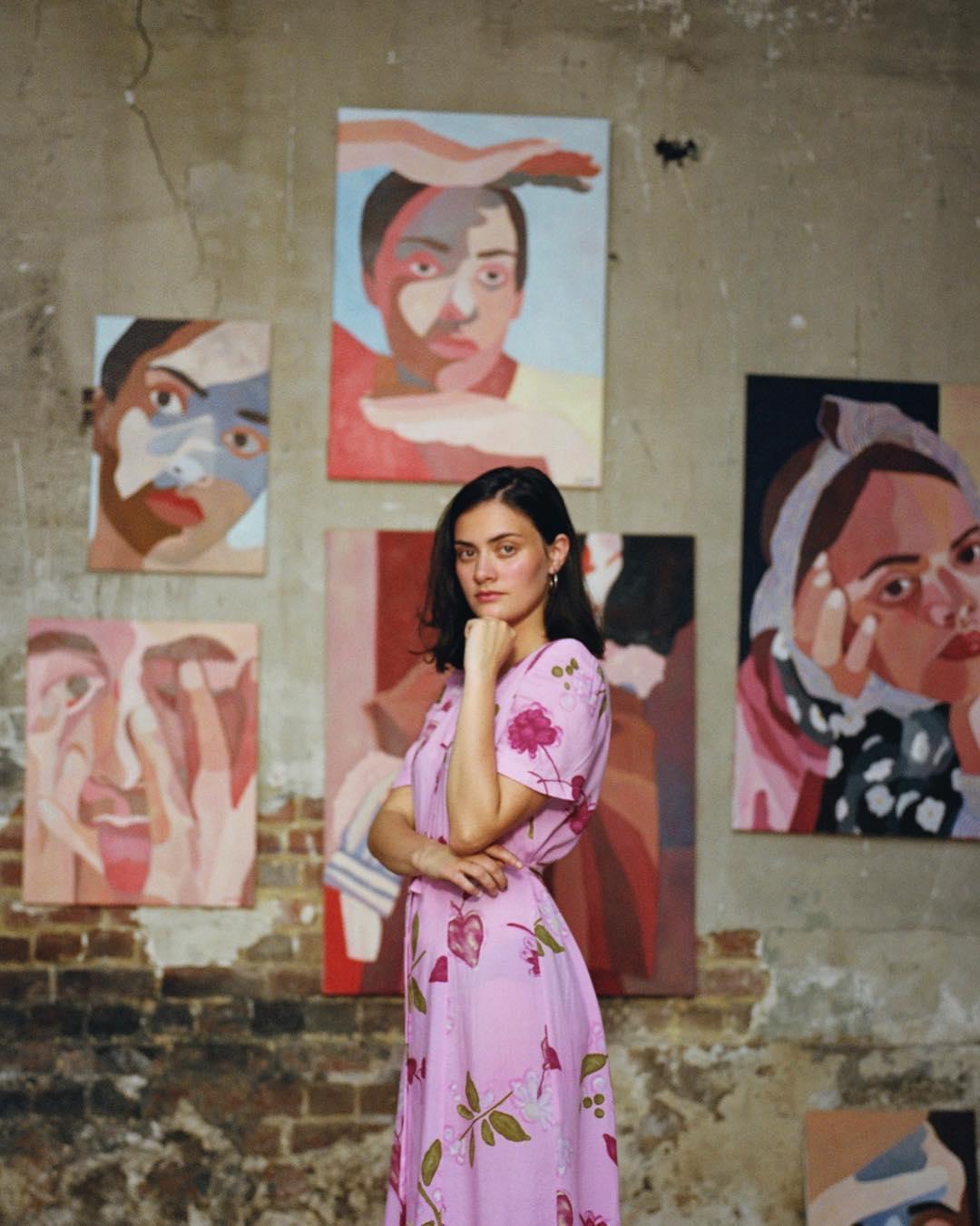 La peintre Inès Longevial