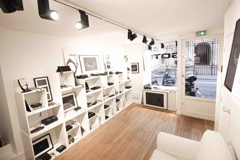 showroom paris fashion week marais
