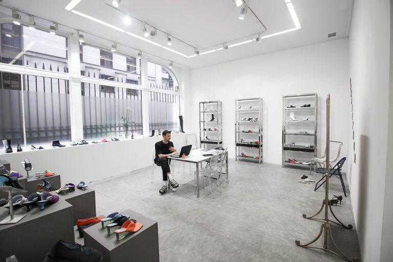 fashion week uk showrooms Paris marais