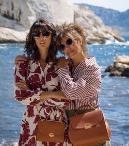 Deux femmes portant des sacs vegan de Ashoka